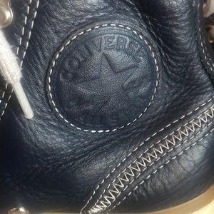 Converse Shoes - Converse Women's size 8 Navy Blue Leather